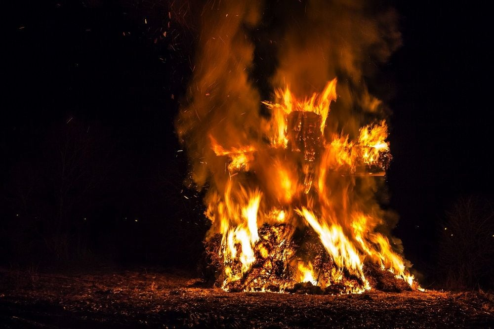 Buergbrennen, bonfire tradition on Lent Sunday